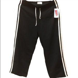 🆕 NWT Women's Soffe XL Black Capri Track Pants